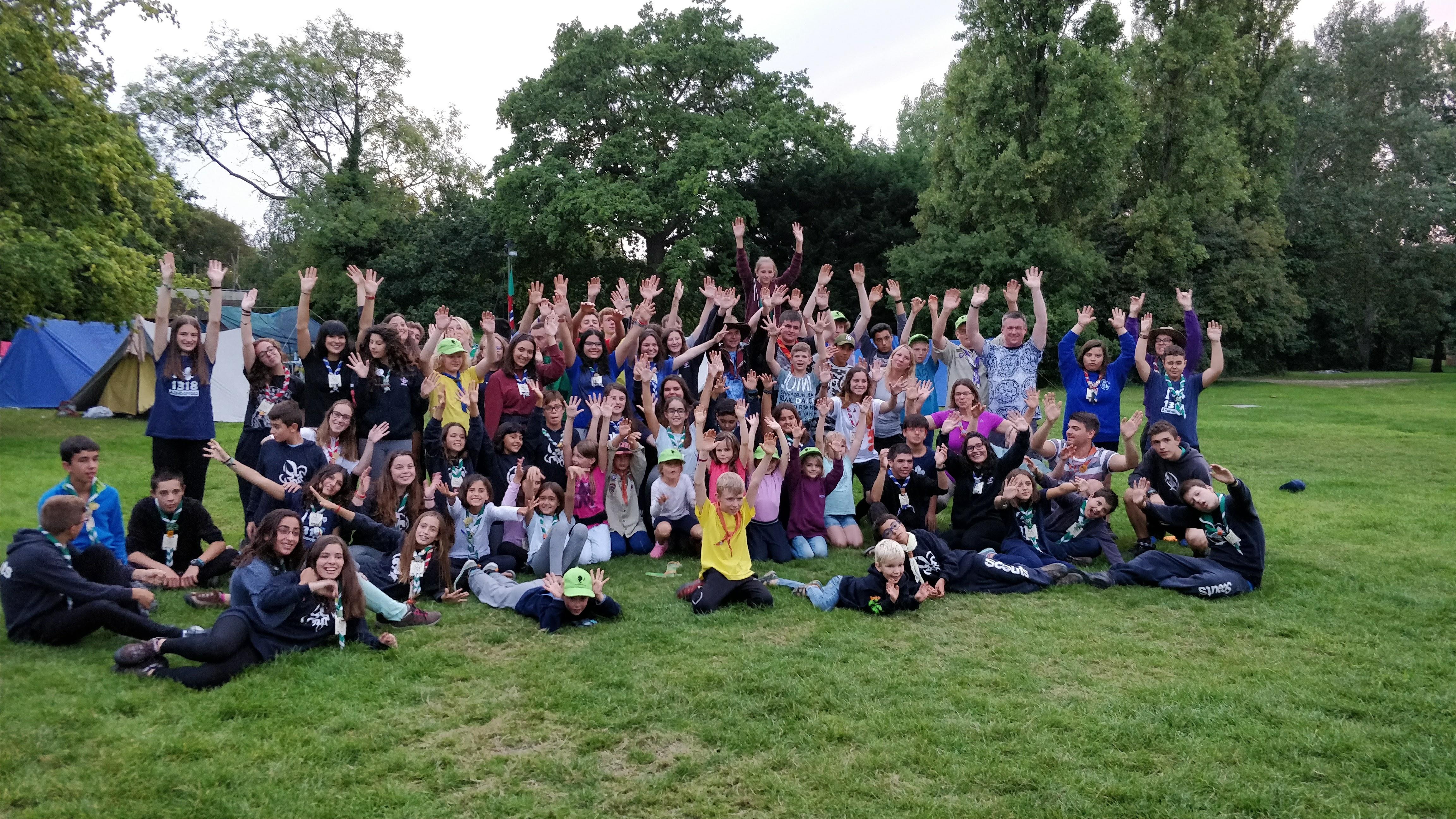 Abschlussfoto in Gilwell Park, gemeinsam mit dem Stamm Aljubarrota aus Portugal.